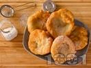 Рецепта Лесни постни пухкави улични мекици с брашно, вода и жива мая
